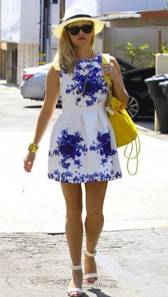 Reese Witherspoon Epitomizes Summer in a Flirty Floral Dress