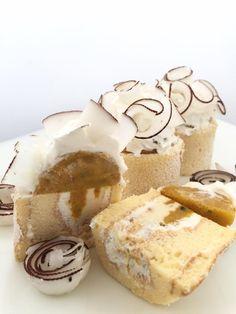 Roll Cake Exotique di Angelo Musa: Crumble alle fragoline di bosco; – Biscotto morbido alla menta; – Confit di fragoline di bosco; – Crema alla Prescinsêua – Mousse leggera Infiniment Vanille – Glassa alle fragoline di bosco