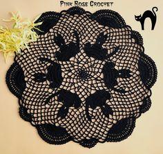 PINK ROSE CROCHET: Black Cats Doily