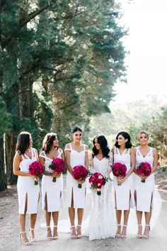Bridesmaids in white, fitted Watson x Watson dresses