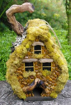 WSHG.NET   Covered in Detail — NW Slugs Handmade Mosaics   Featured, For The Home   October 6, 2014   WestSound Home & Garden