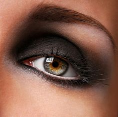 smokey eyes schminken