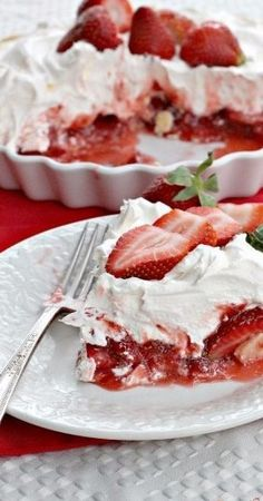 Ingredients 1 plain baked pastry shell or Homemade Pie Crust 1 lb. strawberries 3 tbsp. Clabber Girl cornstarch 1 cup sugar 12-oz. container Cool Whip or other non-dairy whipped topping reserved strawberries for garnish, if desired