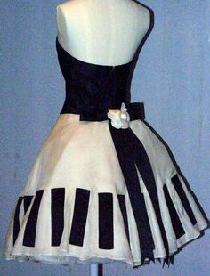 1920 – Modern at V&A – Naergi's Costuming Site