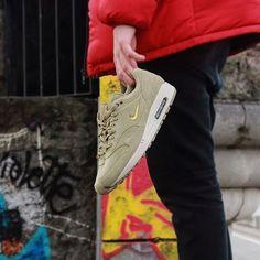 NIKEE Air Max 1 Premium SC Mens Running Shoes Size 12 Neutral OliveMetallic Gold
