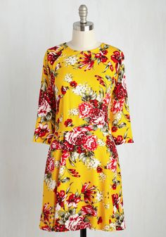 Isle Check It Out Dress in Yellow Floral
