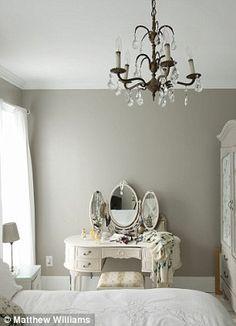 Schlafzimmer Weiß Landhausstil Sofa Floral | Schlafzimmer | Pinterest | Schlafzimmer  Weiß, Landhausstil Und Sofa