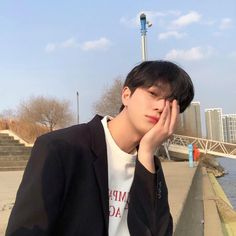 Image about cute in ☄⚡Ulzzang⚡☄ by Daisy on We Heart It Couple Ulzzang, Korean Boys Ulzzang, Korean Men, Ulzzang Girl, Korean Girl, Cute Asian Guys, Cute Korean Boys, Asian Boys, Cute Boys