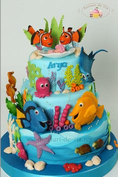Nemo and his friends - Cake by Viorica Dinu Dory Cake, Finding Nemo Cake, Decors Pate A Sucre, Ocean Cakes, Fantasy Cake, Friends Cake, Book Cakes, Sculpted Cakes, Gateaux Cake