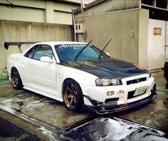 Nissan Gtr R34, R34 Gtr, Japanese Sports Cars, Nissan Infiniti, Nissan Gtr Skyline, Tuner Cars, Japan Cars, Modified Cars, Fallout