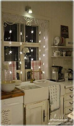 Awesome Shabby Chic Kitchen Designs, Accessories and Decor Ideas Shabby Chic Kitchen with Star Fairy Lights.Shabby Chic Kitchen with Star Fairy Lights. Shabby Chic Design, Shabby Chic Homes, Shabby Chic Decor, Shabby Chic Lighting, Shabby Chic Apartment, Shabby Chic Kitchen Curtains, Country Kitchen Curtains, French Apartment, Shabby Home