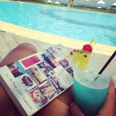 Image shared by Bella Montreal. Find images and videos about summer, blue and book on We Heart It - the app to get lost in what you love. Summer Feeling, Summer Of Love, Summer Beach, Summer Vibes, Hello Summer, Summer 2014, Pajamas All Day, Summertime Sadness, Seasons Of The Year