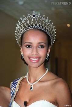 Sonia Rolland Miss France Brown black queens girl in Paris tower Sonia Rolland, Africa Flag, Miss France, Paris Girl, Prom Queens, Beauty Pageant, Big Hair, Beauty Queens, Most Beautiful Women