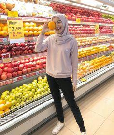 Modest Fashion Hijab, Modern Hijab Fashion, Street Hijab Fashion, Hijab Style, Casual Hijab Outfit, Hijab Fashion Inspiration, Ootd Hijab, Hijab Chic, Muslim Fashion