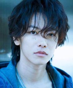 Cute Japanese Boys, Japanese Men, Cute Asian Guys, Cute Korean, Takeru Sato, Rurouni Kenshin, Japanese Drama, Girls Anime, Miyavi