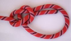 5 Knots Everyone Should Know | Essential Knots Knowledge  For Survival, check it out at http://survivallife.com/5-knots-everyone-should-know/