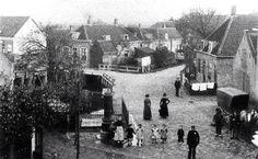 het Kruisplein in Kethel, waarop ook de Verspeekpomp zichtbaar is.
