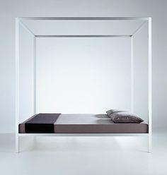 Nun hopsen Sie doch nicht so! Das Bett als Schlaf- und Spielstätte - News & Stories bei STYLEPARK