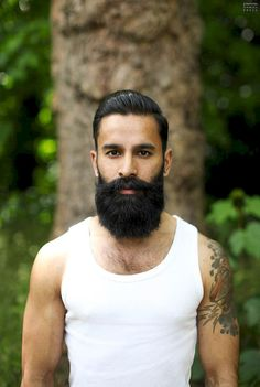 Stunning 60 Cool and Gentle Full Beard Styles from https://www.fashionetter.com/2017/04/28/cool-gentle-full-beard-styles/