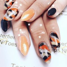 Whether you're welcoming home a soldier from battle or just dig the camo style, we think you're going to love these camouflage nail designs. Camouflage Nails, Camo Nails, Red Nails, Black Chrome Nails, Black Nail Polish, Nail Art Designs, Nail Spa, Nail Nail, Accent Nails