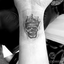 Resultado de imagem para tatuagens de caveiras nas costas
