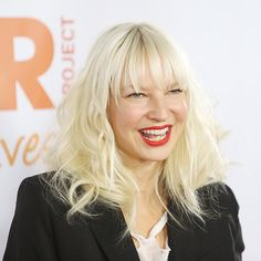 Sia Reveals She's a Grandmother After Her Son 'Had 2 Babies': 'They Call Me Nana' Coldplay, David Guetta Feat Sia, David Bowie, Sia Chandelier, Sia And Maddie, Jazz Band, New Clip, Latest Music, Great Hair