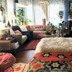 90 Modern Bohemian Living Room Inspiration Ideas - April 28 2019 at Living Room Furniture, Living Room Decor, Decor Room, Room Art, Wall Decor, Interior Exterior, Interior Design, Room Interior, Boho Chic Living Room