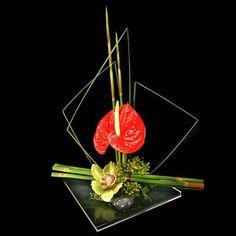 Image detail for -Ikebana - Japanese style flower arrangement Contemporary Flower Arrangements, White Flower Arrangements, Ikebana Flower Arrangement, Ikebana Arrangements, Christmas Arrangements, Arte Floral, Deco Floral, Floral Design, Flower Show