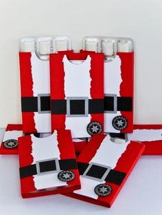Santa gum holders!! These would be great to dress up gift vouchers, money, chocolate gifts etc.