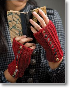 Betty's Button-Up Mitts #Crochet  The buttons make them so cute!