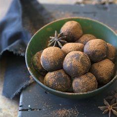 Easy Homemade Bliss Balls - From @aninasrecipes