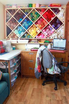 Love the rainbow yarn storage!