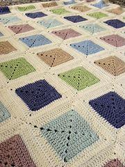 Ravelry: Baby-blanket pattern by Jeanet Jaffari Granny Square Crochet Pattern, Afghan Crochet Patterns, Knitting Patterns, Knitted Baby Blankets, Baby Blanket Crochet, Crochet Baby, Manta Crochet, Loom Knitting, Crochet Projects