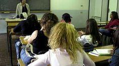 Non c'è fine al caos delle assunzioni nel mondo della scuola: concorsi e liste di idonei che si accavallano e a volte non entrano in vigore, precari