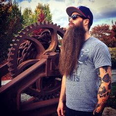 long Beard Styles men are a combination of never seen before designs as well as return of classic beards and mustaches. Long Beard styles tend to work best. Beards And Mustaches, Moustaches, Big Beard Styles, Hair And Beard Styles, Epic Beard, Full Beard, Great Beards, Awesome Beards, Beard Tips