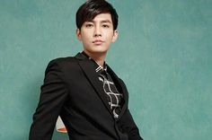 Mysterious Scorpio Aaron Yan enjoys acting out crazy roles (The questions asking about Aaron's 2014 albums' concepts haven't been translated as there have been a lot of interviews which Aaron has. Aaron Yan, Crush Pics, Hot Actors, Asian Actors, Interview, Asian Men, Scorpio, Dancers, Mysterious