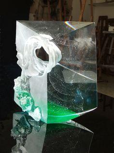 Petr STACHO-Twister (2011) - cast glass, 27x25x9cm
