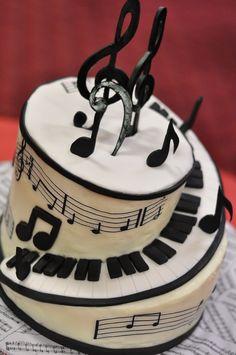 Music - Piano cake