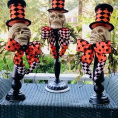 Halloween Home Decor, Halloween Projects, Diy Halloween Decorations, Halloween House, Holidays Halloween, Spooky Halloween, Halloween Centerpieces, Halloween Coffin, Fall Projects