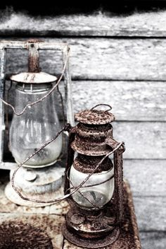 Country LIving, weathered gray and rust. Old Lanterns, Vintage Lanterns, Hanging Lanterns, Rust Never Sleeps, Deco Restaurant, Photo Deco, Light In, Down On The Farm, Lights