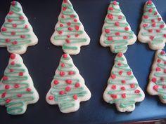 Fursecuri pentru Craciun - CAIETUL CU RETETE Sugar, Cookies, Desserts, Christmas, Food, Sweets, Crack Crackers, Tailgate Desserts, Xmas