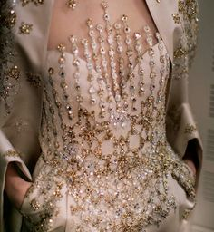 Elie Saab v Couture Fashion, Runway Fashion, High Fashion, Couture Details, Fashion Details, Fashion Design, Beautiful Gowns, Beautiful Outfits, Yennefer Of Vengerberg