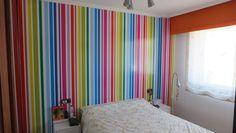 Vinilo de colores vivos para pared en habitación