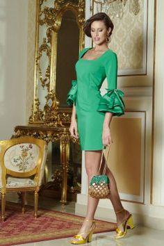 Rochie cu maneci clopot Artista verde accesorizata cu fundite Cold Shoulder Dress, Dresses With Sleeves, Long Sleeve, Artist, Fashion, Green, Moda, Sleeve Dresses, Long Dress Patterns