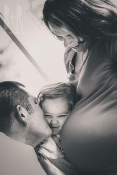 Maternity Photo Shoot | Family | Baby Belly | Pregnancy | Big Sister | 2nd Baby | Black & White - B+R Photography - Nashville, TN