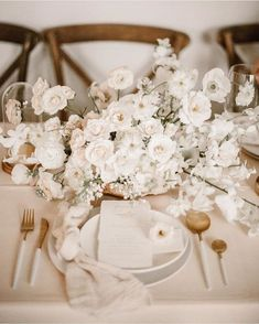 Holiday Style Inspiration 2019 : Warm Winter Whites :: This Is Glamorous Wedding Table Decorations, Wedding Table Settings, Beach Wedding Reception, Wedding Venues, Floral Centerpieces, Wedding Centerpieces, White Centerpiece, Centrepieces, Wedding Designs