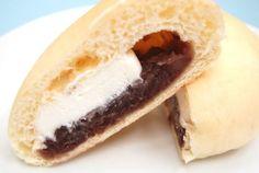 ウチカフェ和菓子「あんこや」の新作「クリームあんぱん」です。しっとり白パンに「ゆめむらさき」のつぶ餡と、純生クリームが入ってます♪カロリーも控えめ!お値段は130円(税込)です。
