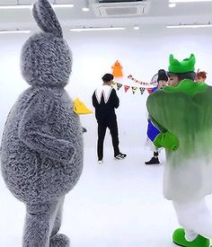 I loved watching this MV. Hehe. They're great and don't take themselves too seriously, which is awesome.