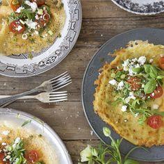Farinata eller socca är en italiensk-fransk glutenfri pannkaka som steks i stekpanna eller ugnsgräddas. Servera med matiga tillbehör. Antipasto, Crepes, Avocado Toast, Vegetable Pizza, Risotto, Brunch, Breakfast, Vegetarian, Vegetables