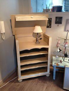 un petit meuble sauv de la benne relook il accueille aujourd 39 hui mes chantillons de. Black Bedroom Furniture Sets. Home Design Ideas